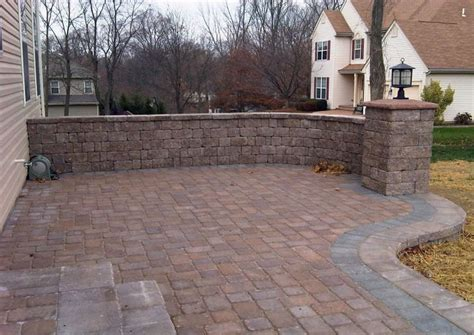 Building A Raised Patio With Retaining Wall by 560 Best Images About Diy Patio Pathways On