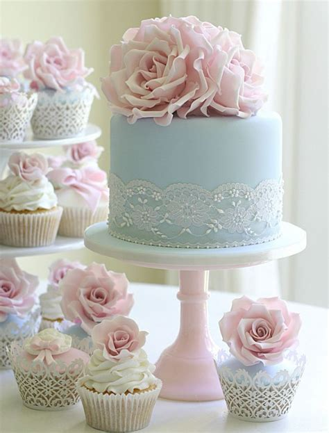 Hochzeit Kuchen by Licht Blau Spitze Hochzeits Kuchen Und Cupcake Mit Rosa