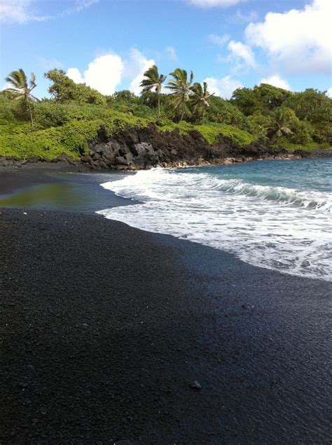 black sand beaches hawaii 17 best images about summer time on pinterest surf