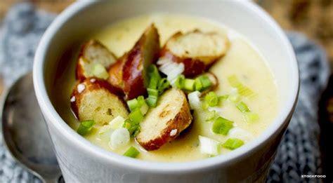 zuppa di sedano e patate zuppe invernali leggere le ricette per farle in casa