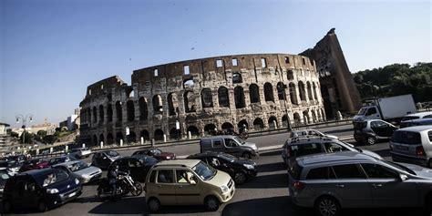 blocco traffico totale a roma e il 28 29 e 30