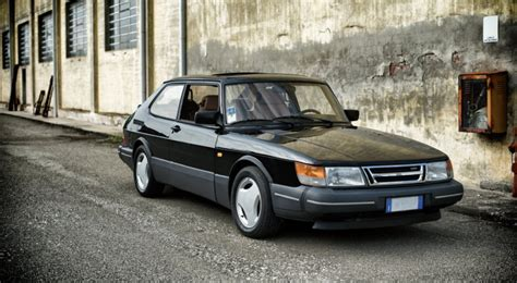 Saab 900 Turbo   The Gryphon Came From North   Auto Class