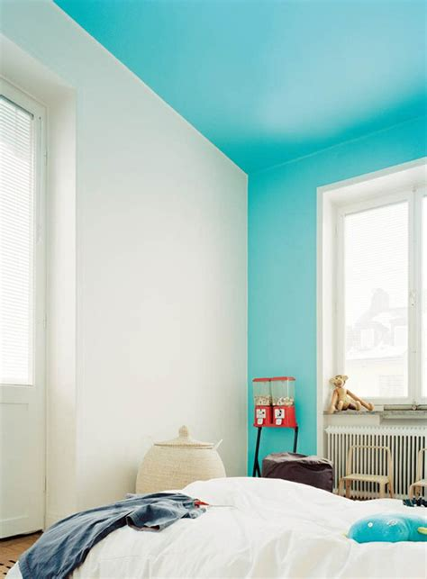 bright blue color blocking   wall  ceiling decoist