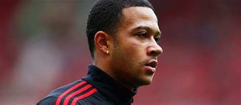 memphis depay new hair style van gaal believes memphis may have found turning point