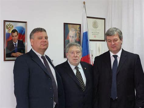 consolato russo venezia grande affluenza di votanti al consolato russo di ancona
