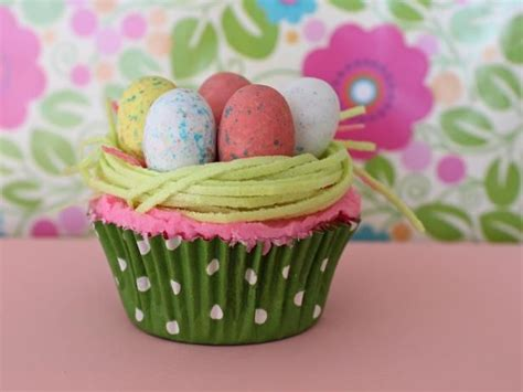 Decorating Ideas For Easter Cupcakes 14 Easy Easter Cupcake Decorating Ideas Eggs Birds And