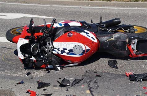 Unfall Motorrad Stuttgart by Unfall In B 246 Blingen Motorradfahrer Bei Crash Get 246 Tet