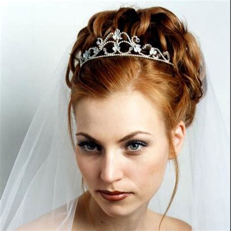 Wedding Hairstyles Updos With Tiara by Tips To Consider When Choosing Bridal Accessories Ii