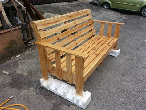 wood pallet benches wooden pallet bench 101 pallets