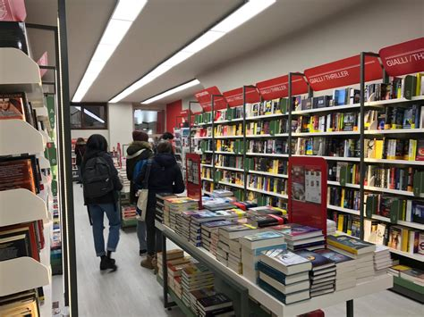 librerie mondadori catania mondadori una nuova libreria per trento nati per