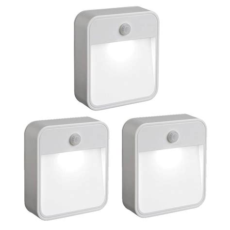 Light Sensitive Outdoor Lights Mr Beams Outdoor Wireless Motion Sensing Led Stick Anywhere Light 3 Pack Mb723 The Home Depot