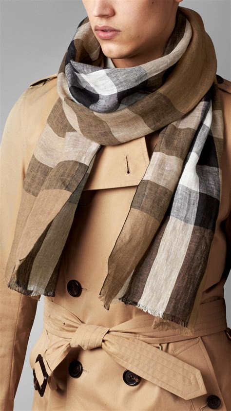 burberry check linen scarf in black house check black lyst