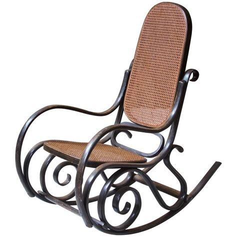 vintage thonet bentwood rocking chair at 1stdibs antique thonet model 10 bentwood rocking chair salvatore