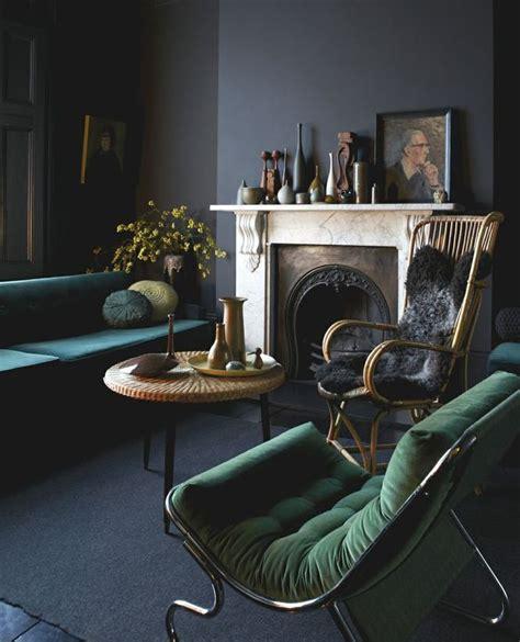 green  blackwhite room