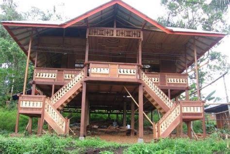 rumah adat sulawesi utara rumah pewaris  walewangko