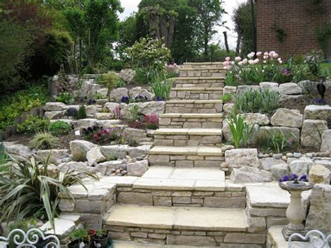 giardini rocciosi piante giardini rocciosi ecco come creare un area esterna originale