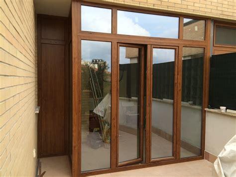 chiusura terrazzo chiusura terrazzo pvc idee di design per la casa