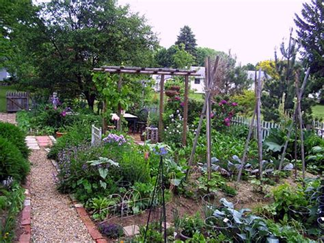 Cottage Vegetable Garden by Cottage Style Vegetable Garden