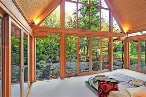 Glass House Mountains Cabins by טברובסקי אדריכלות Cabin Chic Mountain Home Of Glass And Wood