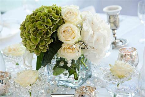 Tischdeko Hochzeit Grün tischdeko mit blumen 100 gestecke selbermachen