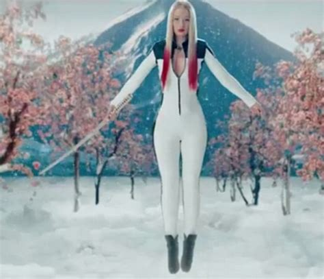 black widow iggy azalea featuring ora iggy azalea unveils new black widow featuring
