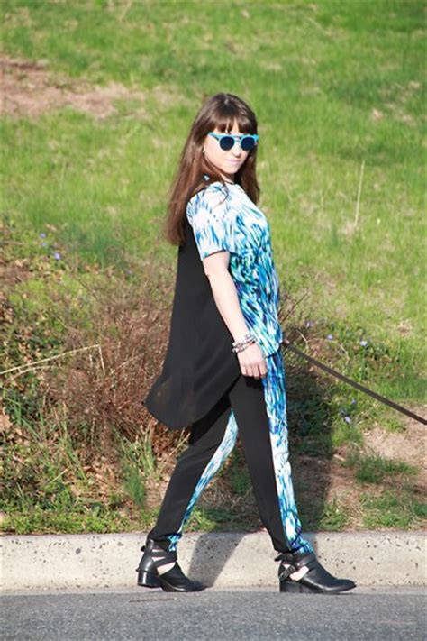 Silvi Pjs aliya a somemoment coat somemoment top somemoment skirt ivanka heels other side