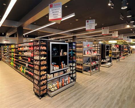 retail layout supermarket grocery store layout best layout room