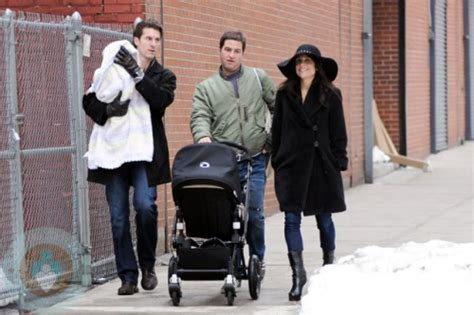 bethenny frankel   family bundle    stroll  nyc