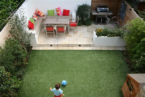 outdoor garden entertainment relaxation zone desinged and