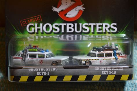 Promo Hotwheels Retro Ghostbuster Ecto 1 Car wheels ghostbusters ecto 1 w real riders and ecto 2 motorcycle 2016 what s it worth