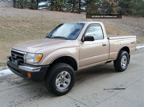 Awesome 1999 Toyota Tacoma 4x4 5speed Regular Cab 2. 7l