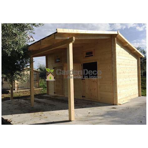 vendita tettoie in legno vendita box in legno per cavalli con tettoia