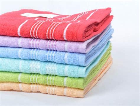 Handuk Tanggung Merah Putih Menyerap handuk merk merah putih supplier distributor pusat grosir murah berkualitas