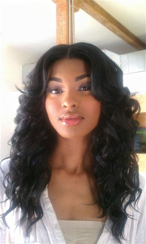 hair with slight waves 25 best ideas about middle part weave on pinterest