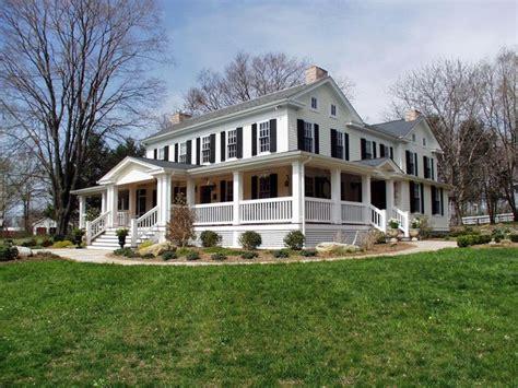 farmhouse com farmhouse landscape
