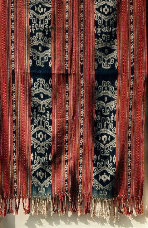 Kain Tenun Ikat Blanket Tb048 ikat from timor timur timor indonesia ikat indonesia and blankets
