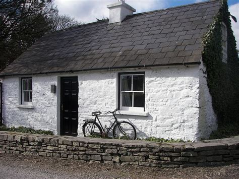 cottage irlandesi cottage with bike cottages in ireland new