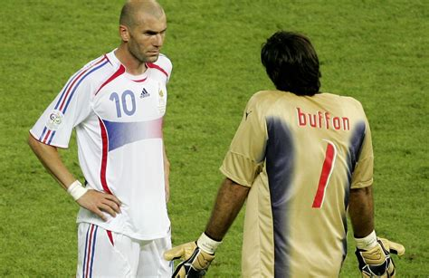 2006 Nicholl Finalists 2 by Zidane Revela Qual O Objeto Que Guarda Mais Carinho De
