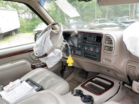 2000 cadillac escalade just in and parting out get parts