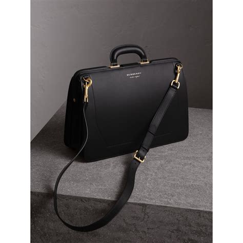 Burberry Doctor Kode 33049 2 lyst burberry the dk88 doctor s bag in black for