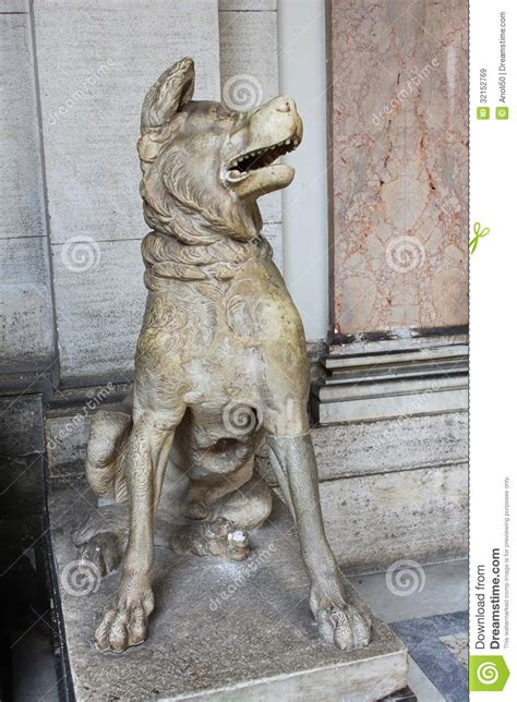 dog sculpture royalty  stock images image