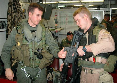 Us Search For File Us Navy 021012 N 0879r 001 Preparing For Combat Search And Rescue Jpg Wikimedia