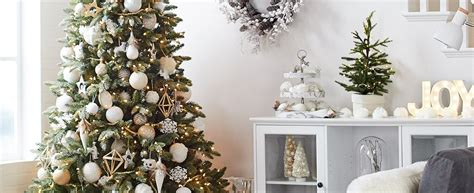 canadian tire christmas tree how to decorate a tree canadian tire