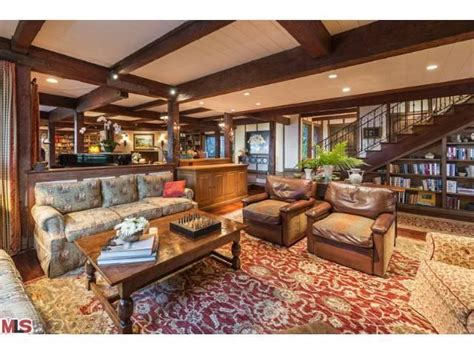 larry david house larry david gets 12 million for charming estate in pacific palisades