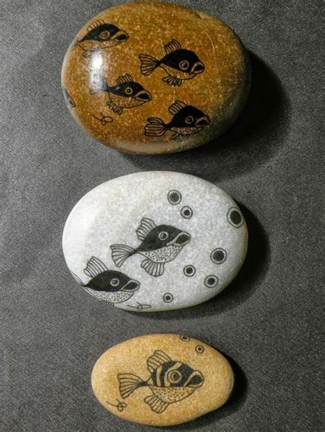 Délicieux decoration de galets #1: peinture-galet-pierres-décorées-dessins-de-poissons.jpg