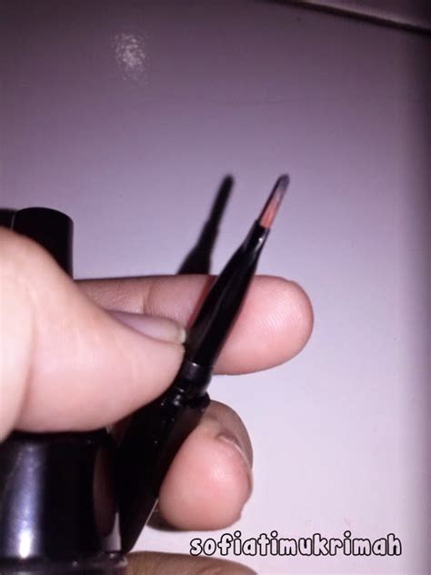 Pixy Bolt To Last Gel review pixy bold to last gel liner hello pretty