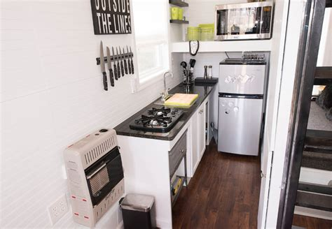 10 tiny kitchens in tiny houses that are adorably functional top 3 tiny kitchen design layouts tinyhousebuild