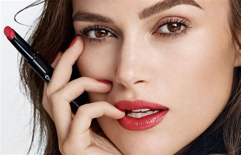Cat Kuku Chanel dapatkan bibir merah aktris keira knightley dengan lipstik