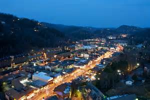 Live Christmas Tree Rental - pictures of gatlinburg tennessee in the smokies