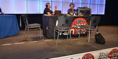1070 the fan live the indianapolis colts vip tailgate party
